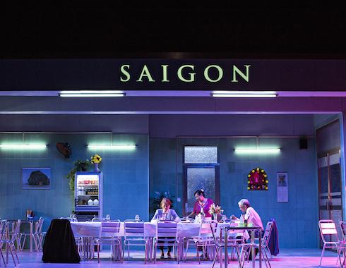 08  Saigon Caroline Nguyen Foto Jean Louis Fernandez
