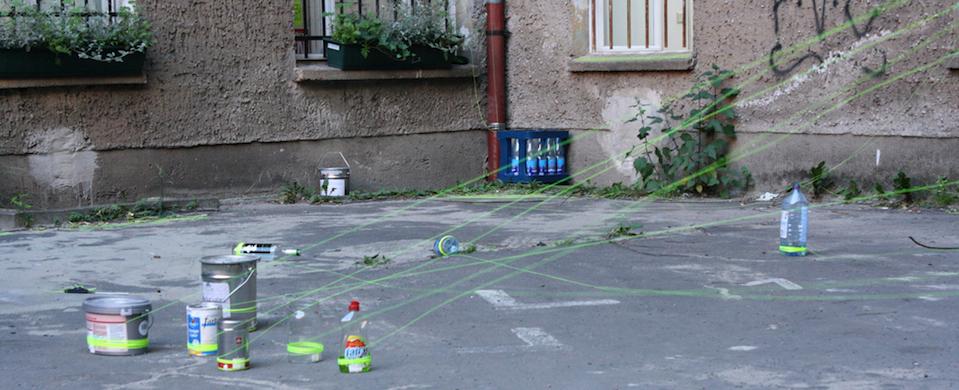 Eva Meyer  Keller  Pulling Strings  Foto  Sara Springer Web  Panorama